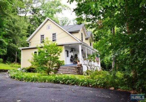 SOLD - 460 Lafayette Ave, Westwood, New Jersey