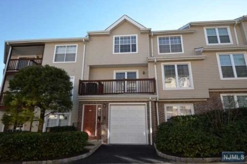 SOLD - 556 Ridge Lane Fort Lee, New Jersey $405,000