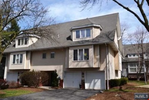 SOLD - 53 Iris Circle, Glen Rock New Jersey $549,900