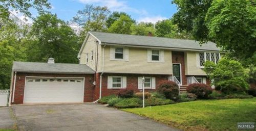 SOLD - 256 West Place, Township of Washington, New Jersey $594,000