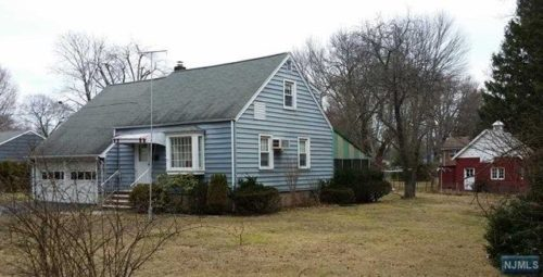 SOLD - 272 Rockland Avenue, River Vale New Jersey $455,000