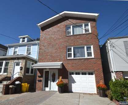 LEASED - 421 7th Street 2nd Floor, Fairview $1,900