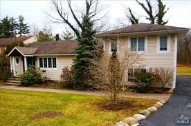 SOLD - 705 Blue Hill Road, River Vale, NJ $400,000
