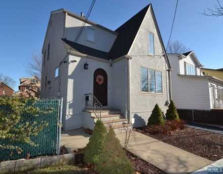 SOLD - 461 Lawton Avenue, Cliffside Park $402,000