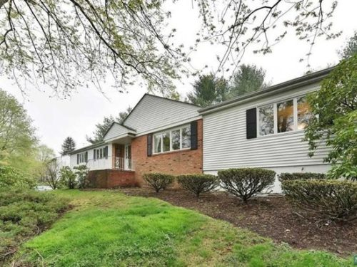 SOLD - 390 East Saddle Rived Rd, Upeer Saddle River $675,000