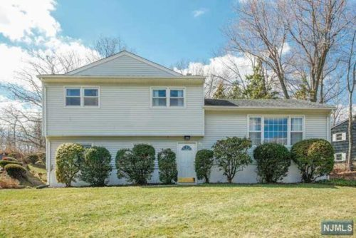 SOLD - 679 Cobh Rd, River Vale $619,000