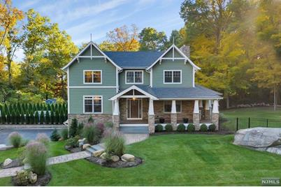 SOLD - 105 Walnut Street, Mahwah NJ $1,251,000