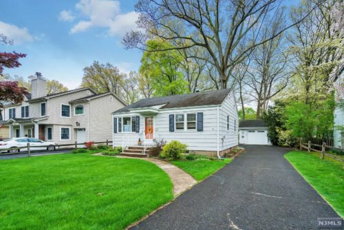 SOLD - 413 Radcliffe Street, Wyckoff NJ $400,000