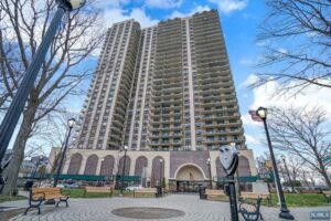 7855 Boulevard East 14B North Bergen, NJ 07047 – MLS #21008109 $365,000