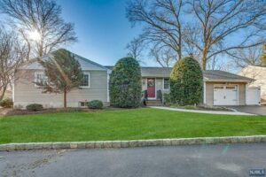 New Listing – 701D Westwood Ave River Vale, NJ 07675 – MLS #21009067 $599,000